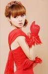 Красные перчатки с бантами
